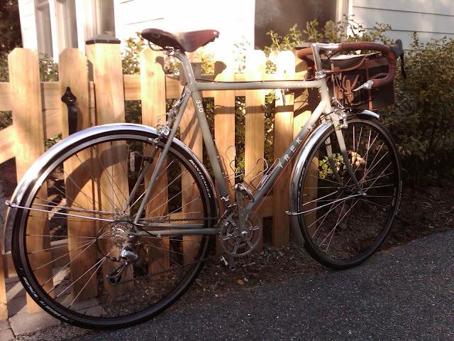 Trek 330 Road Bike   Sport Equipment