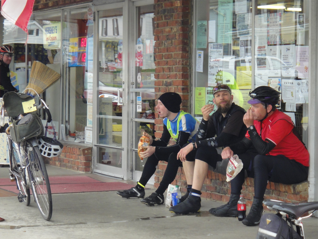 Hanging out at Earl's Market on the Urbana 200K