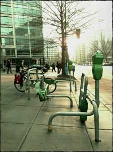 Art bike racks are not an errandeur's best friend. This photo's for you, Alex B.