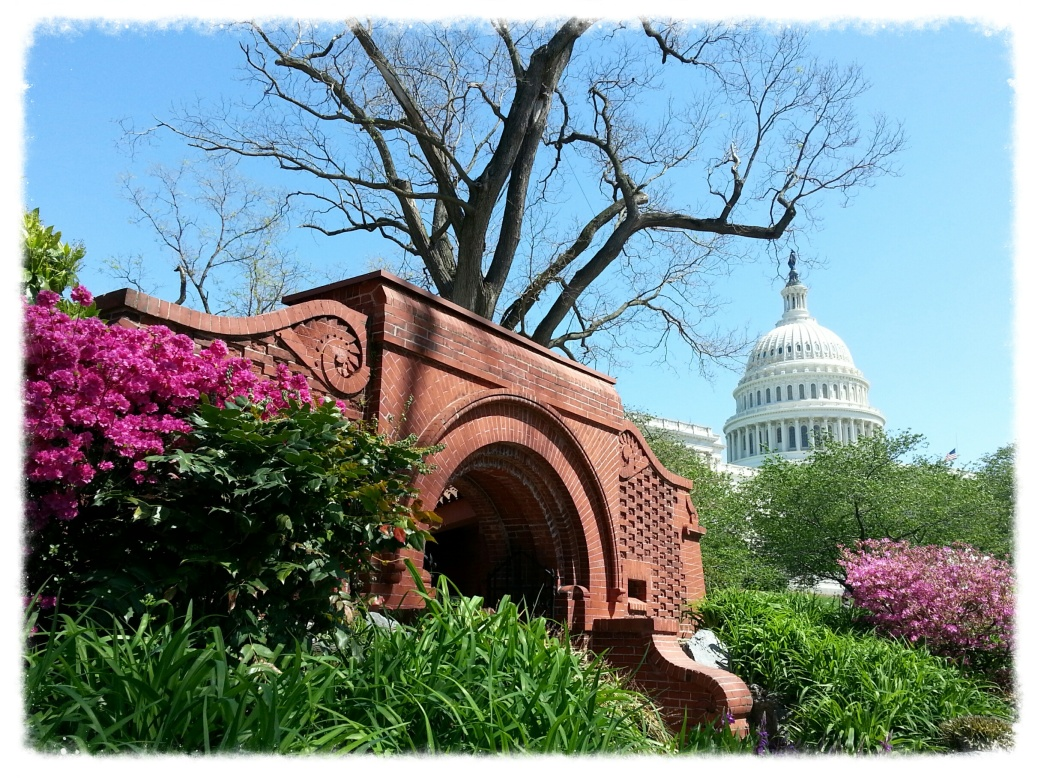 Summerhouse on the Capitol Grounds. Not relevant to this post, really, but I like this photo.