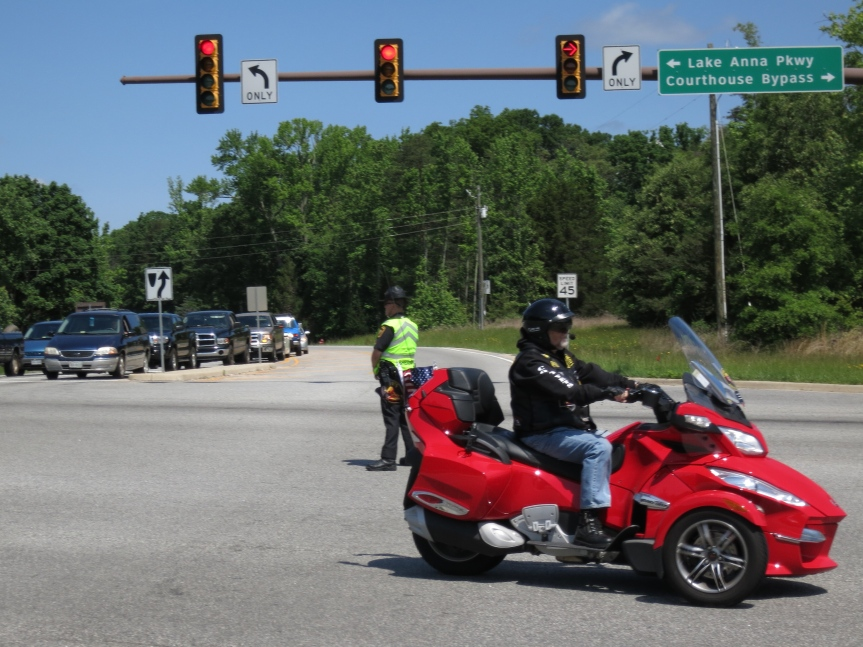 Motorcycle procession on the 600K