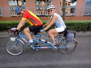 Look tandem, returning from bike inspection