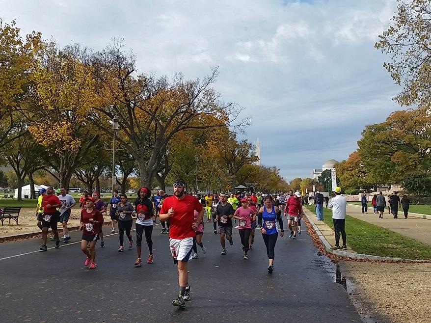 marine-corps-marathon-2015_21869447943_o