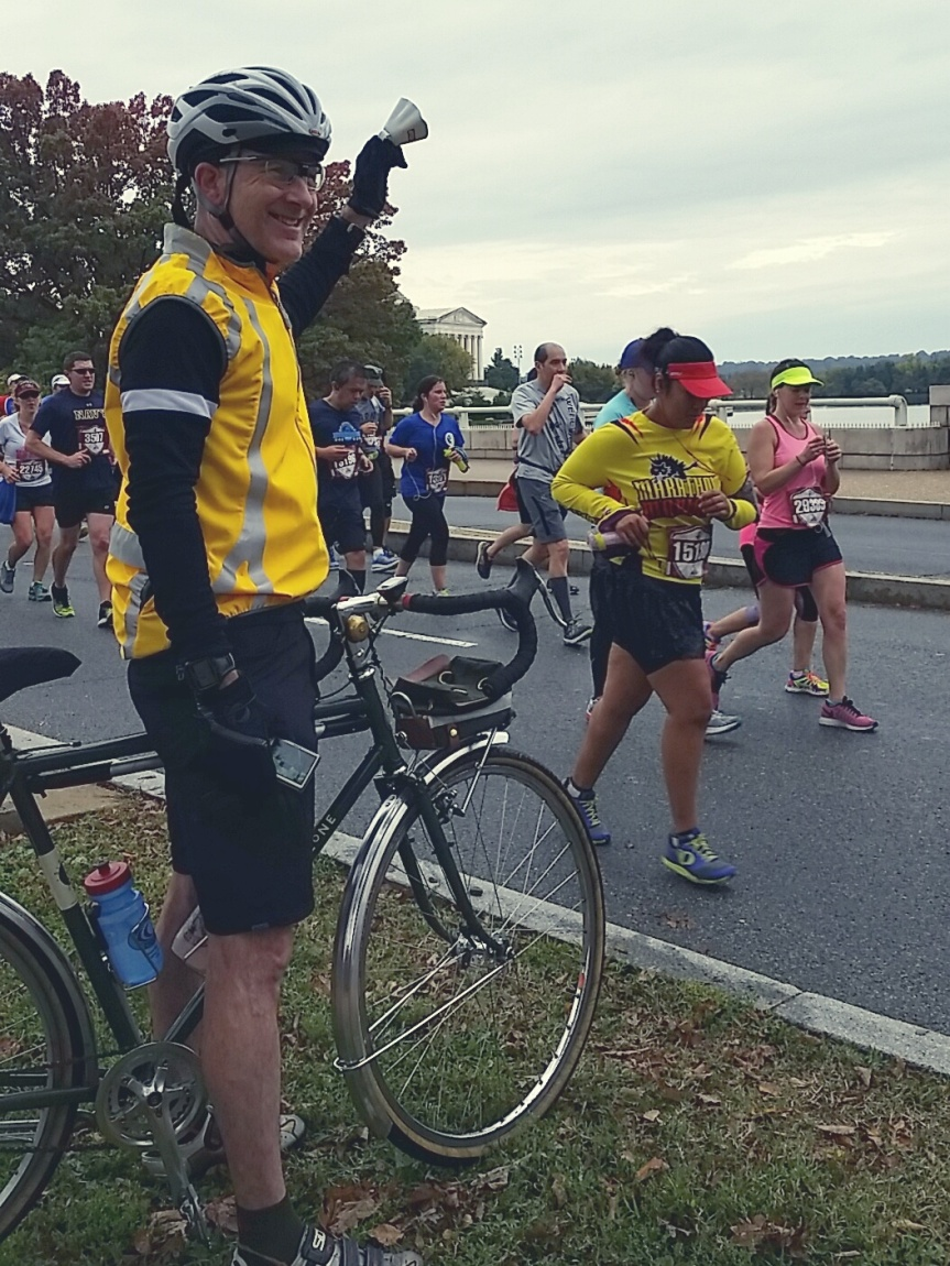 marine-corps-marathon-2015_22303809869_o