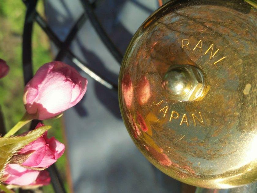 Crane bike bell